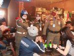 pol-pp-datangi-kafe-di-tengah-pandemi.jpg