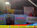 puluhan-guru-smp-negeri-46-palembang-demo-menuntut-kepala-sekolah-mundur-selasa-2102018_20181002_112903.jpg
