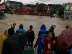 pusat-kota-muntok-bangka-barat-direndam-banjir_20170128_152131.jpg