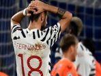 reaksi-gelandang-portugis-manchester-united-bruno-fernandes-saat-laga-liga-champions.jpg