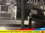 rumah-cawako-palembang-hm-akbar-alfaro-diteror_20180505_143325.jpg