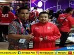ryan-yohwari-dan-atlet-difabel-boling-indonesia-asal-sumsel-elsa-maris_20181009_155539.jpg