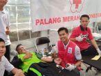 sahabat-donor-mendonorkan-darahnya.jpg