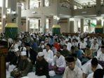 salat-ied-di-masjid-taqwa-palembang_20180615_111824.jpg