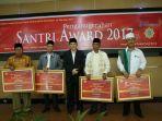 santri-award_20171019_203009.jpg