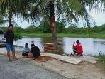 sejumlah-warga-yang-bermukim-di-kelurahan-jua-jua-kecamatan-kayuagung-di-sungai-komering.jpg