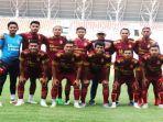 skuad-sriwijaya-fc-dan-pelatih-nil-maizar-jelang-kick-off-liga-2-indonesia.jpg