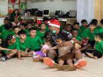 striker-andalan-sriwijaya-fc-alberto-beto-goncalves-dan-anaknya-merayakan-natal.jpg