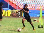 striker-sriwijaya-fc-sandrian-211331.jpg