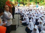 tantowi-yahya-dan-helmi-yahya-saat-berkunjung-ke-smpn-2-palembang_20170804_172404.jpg