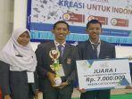 tiga-siswa-sman-sumsel-yang-berhasil-meraih-juara-1-baf-innovation-sains-festival_20181108_195516.jpg