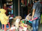 toko-kosmetik-di-pasar-shoping-kayuagung-diduga-jual-kosmetik-ilegal_20171129_124316.jpg
