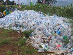 tumpukan-sampah-botol-air-mineral-bekas-para-pendaki-gunung-dempo-pagaralam.jpg