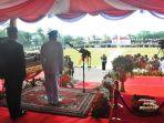 upacara-peringatan-hut-kemerdekaan-ri-ke-73-di-griya-agung-palembang_20180819_095408.jpg