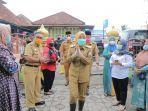 wakil-walikota-palembang-fitri-agustinda-seusai-mengunjungi-kelurahan-36-ilir-palembang.jpg