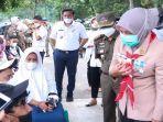 wakil-walikota-palembang-hj-fitrianti-agustinda-sh-meninjau-kegiatan-vaksinasi.jpg
