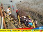 warga-gunakan-perahu-ketek-mengunjungi-pulau-kemaro_20180618_145520.jpg