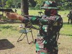 wing-back-sriwijaya-fc-derry-herlangga-latihan-menembak1.jpg