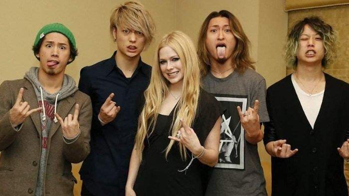 Fun Fact Ryota Kohama, Bassist ONE OK ROCK: Adik Ipar Avril Lavigne, Pernah Nyanyikan Indonesia Raya