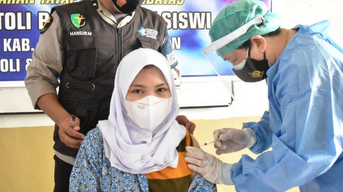 Sekolah Tatap Muka, 82 Siswa SMAN 3 Tolitoli Disuntik Vaksin Covid-19 Tahap Satu