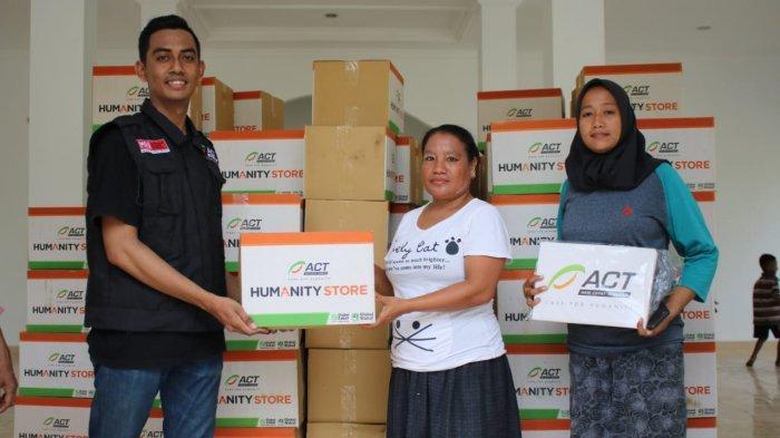 ACT Salurkan Ratusan Paket Sandang untuk Korban Banjir Rob di Kecamatan Sirenja, Kabupaten Donggala