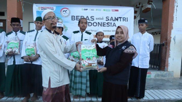 ACT Sulteng Salurkan Bantuan 2 Ton Beras ke Pondok Pesantren di Sigi dan Donggala