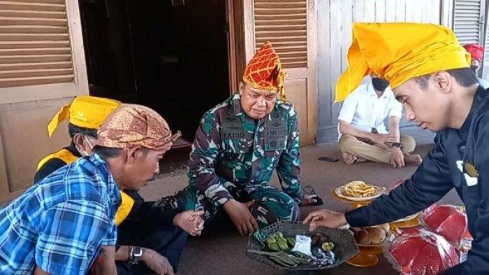 Danrem 132/Tadulako Disambut Adat di Banua Oge Palu