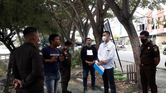 Pemasangan Plang Aset Pemda Banggai di Teluk Lalong Ditolak Warga, Kejaksaan Angkat Bicara