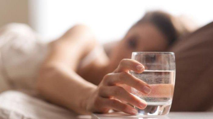 Manfaat Minum Air Hangat di Pagi Hari, Hilangkan Hidung Tersumbat hingga Redakan Nyeri Haid