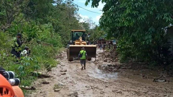 Warga Salua Langsung cari Tempat Aman saat Hujan Deras, Karena Desanya Sudah Langganan Banjir