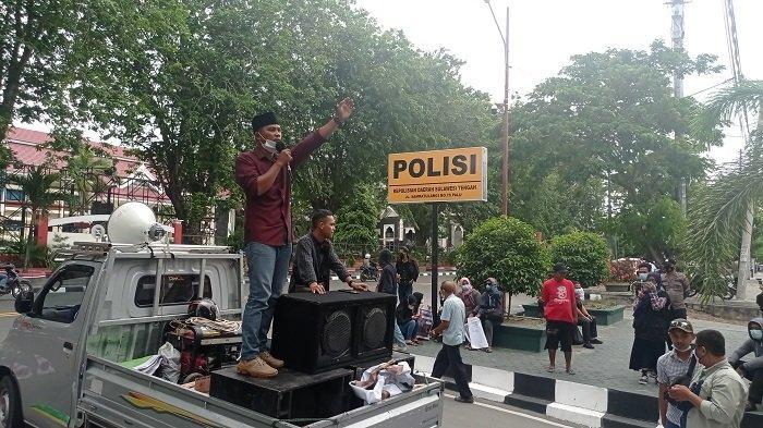Buntut Longsor Tambang Parimo, Massa Desak DPRD dan Polda Sulteng Usut Pemodal PETI