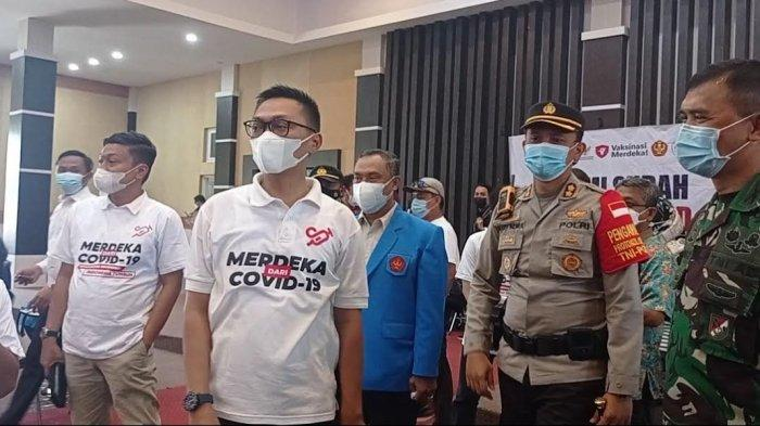 Staf Khusus Presiden Tinjau Vaksinasi Mahasiswa Palu di Untad