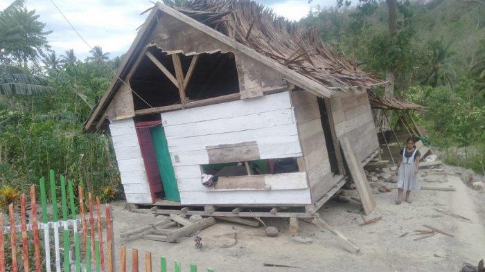 Dihantam Angin Puting Beliung, 7 Rumah Di Desa Eeya Parimo Rusak