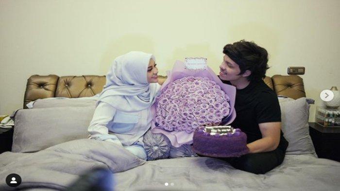 Atta Halilintar & Aurel Hermansyah rayakan satu bulan pernikahan.