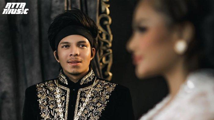 Atta Halilintar merilis lagu 'Calon Bojo' yang dipersembahkan untuk Aurel Hermansyah