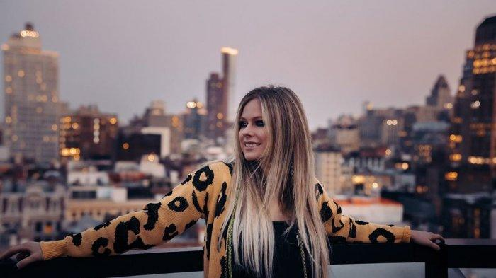 Lirik Lagu dan Chord Gitar Avril Lavigne - I'm With You: ''I Thought That You'd be Here By Now''