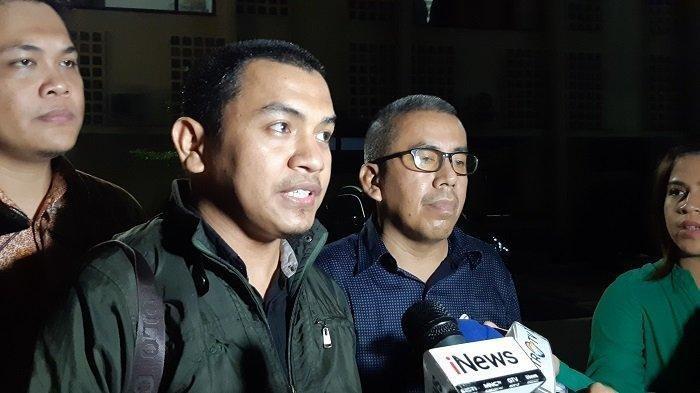 Tersangka Penembakan Laskar FPI Tidak Ditahan, Aziz: Prokes Ditahan, Pembunuhan Tidak Ditahan, Wow!