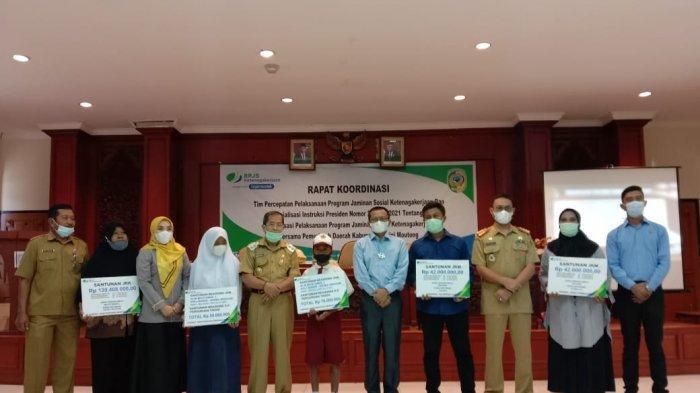Wabup Parimo Badrun Nggai Pimpin Rakor Tim Percepatan Pelaksanaan Program BPJS Ketenagakerjaan