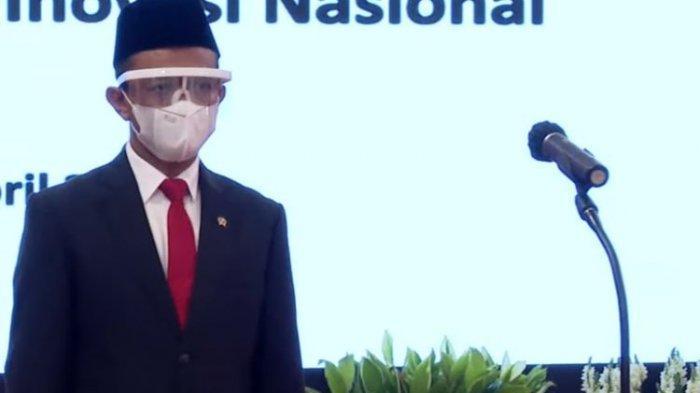 Presiden Joko Widodo melantik Bahlil Lahadalia sebagai Menteri Investasi/Kepala Badan Koordinasi Penanaman Modal (BKPM) di Istana Kepresidenan pada Rabu (28/4/2021).(YouTube/Sekretariat Presiden)
