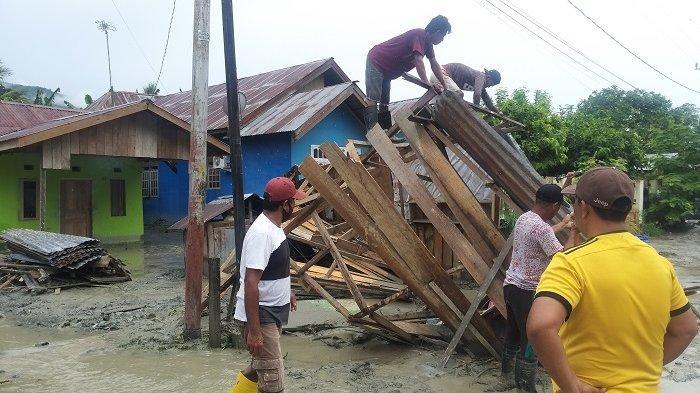 suasana pascabanjir di Desa Beka, Kecamatan Marawola, Kabupaten Sigi (27/3/2021)