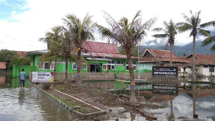 SMPN 10 Palu Terdampak Banjir Rob, Kepsek: Ini Terparah Pasca Triobencana 2018