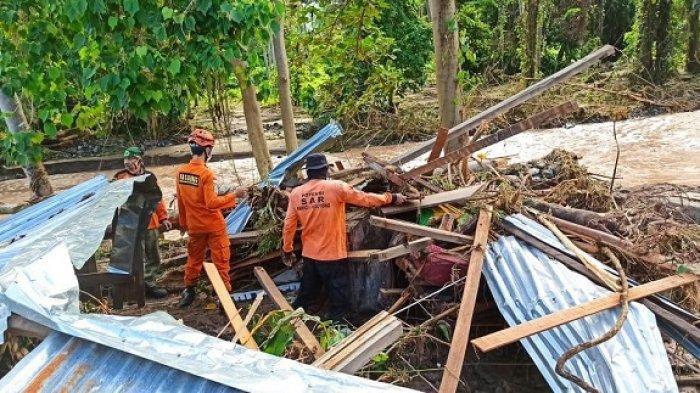 8 KK Korban Banjir di Tojo Una-una Sulteng Akan Tinggal Sementara di Gubuk Sawah dan Rumah Warga