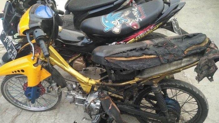 Tak Terima Ditilang, Seorang Pria di Cianjur Bakar Sepeda Motornya Sendiri