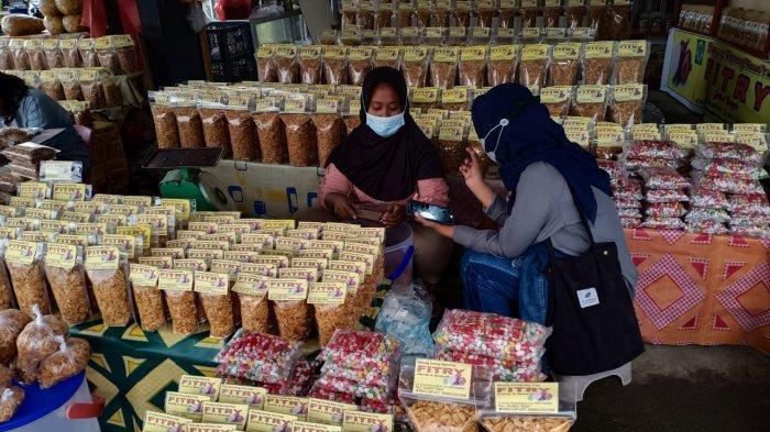 Dibanderol Rp 20 Ribu, Bawang Goreng Fitri di Pasar Inpres Palu Cocok untuk Oleh-oleh