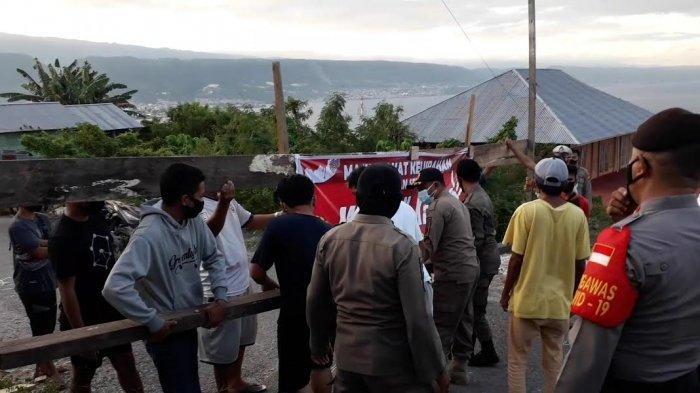 Polisi Buka Paksa Blokade Jalan ke Gedung Isolasi Covid-19 di Banggai