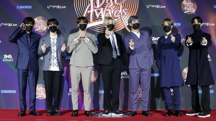 Daftar Pemenang 35th Golden Disc Awards: BTS dan IU Sabet Daesang, Jo Jung Suk Raih Best OST