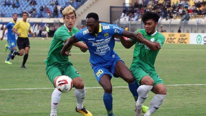 Persib Bandung Unggul 2 Gol dari PSS Sleman di Babak Pertama, Geoffrey Castillion Cedera