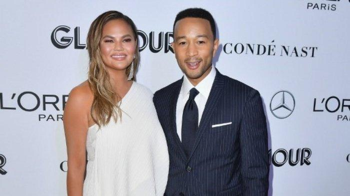 Kabar Duka, Chrissy Teigen Istri John Legend Keguguran setelah Alami Pendarahan Hebat