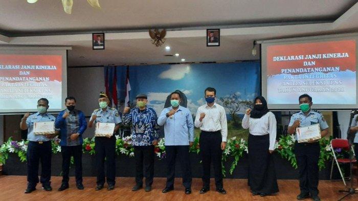 Panitia CPNS Kemenkumham Sulteng Teken Pakta Integritas, Peserta Tes Harus Pakai Masker 4 Lapis