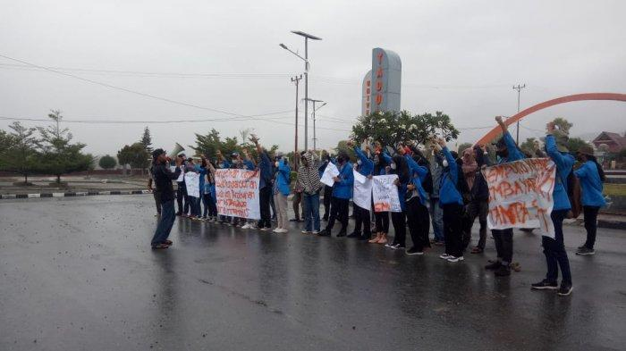 Tuntutan Tak Dipenuhi, Usai Dialog Mahasiswa Untad akan Gelar Aksi